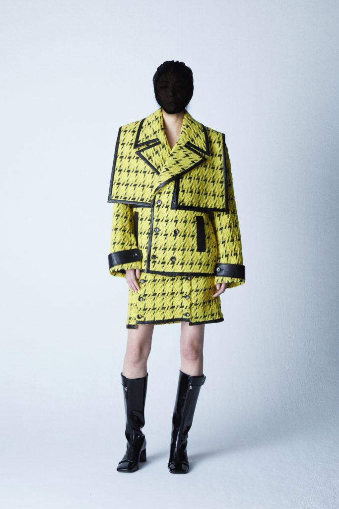 ミタショーの生地によるジャケットとスカート